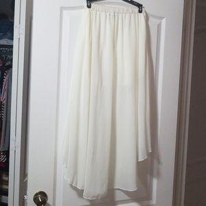 579 Skirts - Flowy hi low skirt